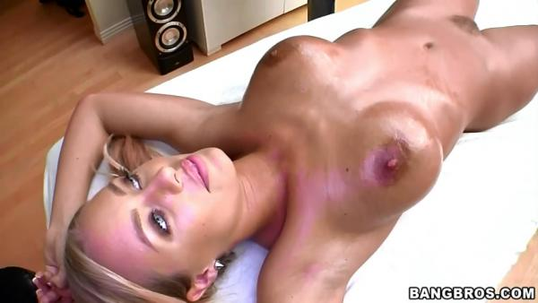 ��������� ������ ��� ��������� / Nicole Aniston (Massage With A Smile) (2011) SiteRip