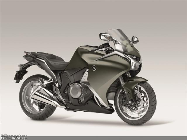 Обновленный мотоцикл Honda VFR1200F 2012