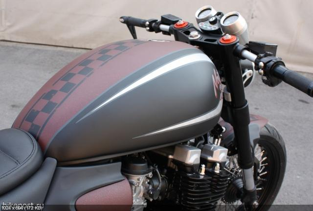Кафе рейсер Yamaha XJR1300 «Nothing Else Matters»