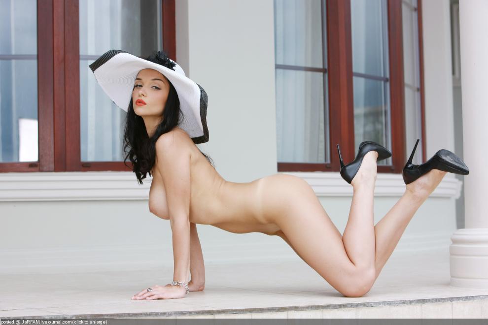 порно фото юлии куваевой