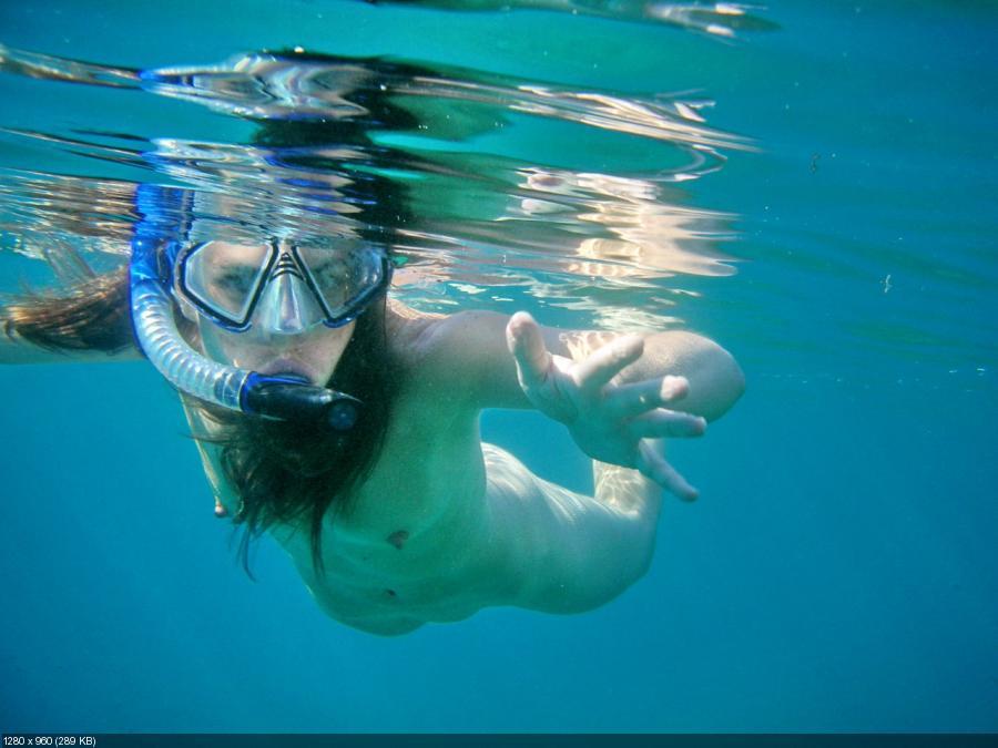 ya фото голых женщин под водой